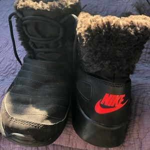 Nike snow boots